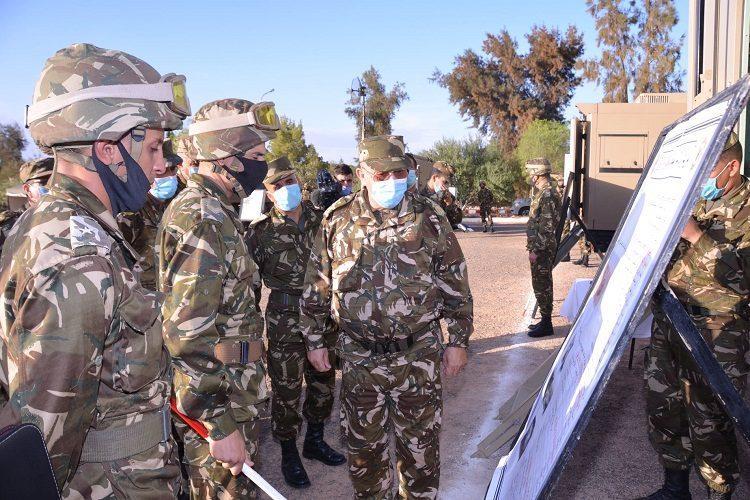 قيادات في الجيش تكثف زياراتها للحدود الغربية