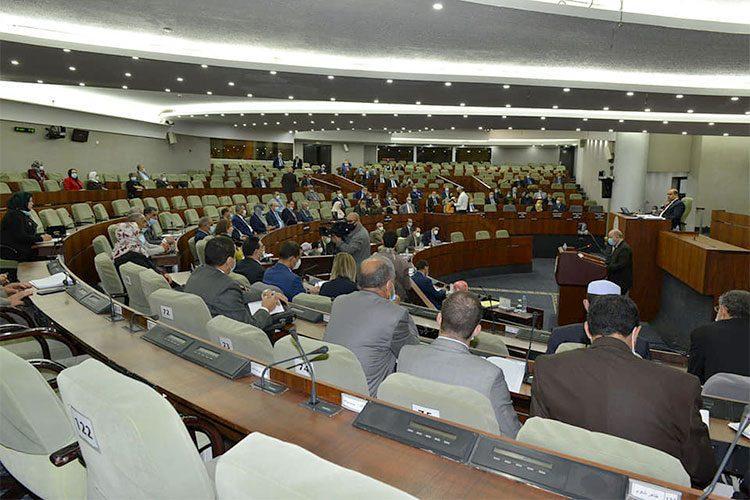 نواب يتهمون الوزراء بالتماطل