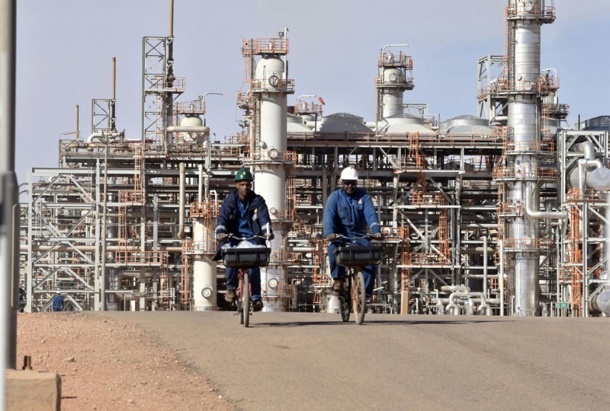 انخفاض الإيرادات النفطية للجزائر خلال 2020