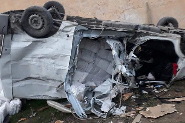 بالصور.. حادث مرور بين 4 شاحنات وسيارتين بالبويرة