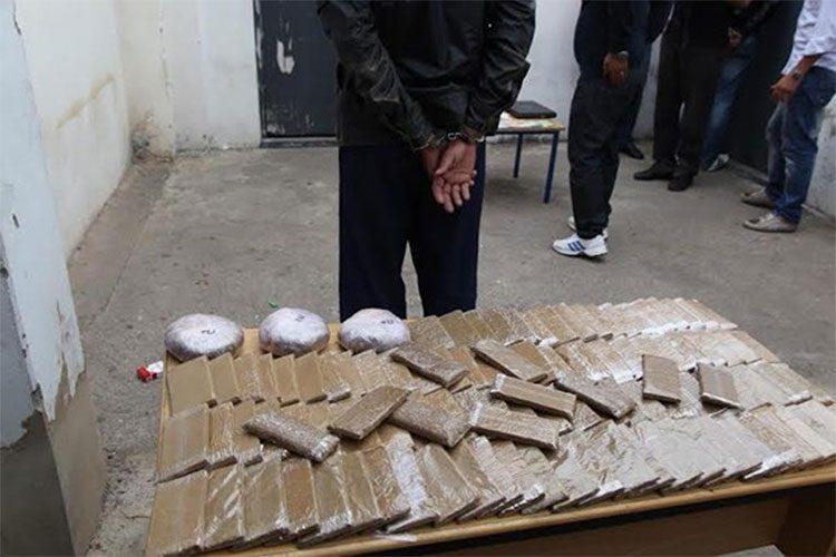 شاب يخزن المخدرات في بيته مقابل 30 مليون سنتيم!