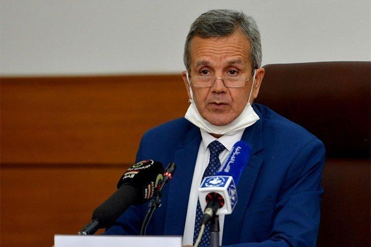 وزير الصحة يحدد موعد إنتاج لقاح
