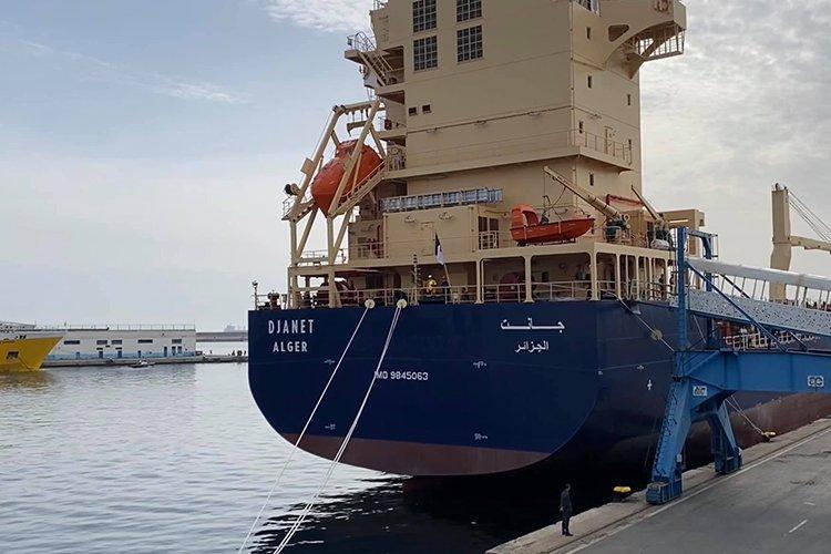 """""""جانت"""".. سفينة جزائرية جديدة لتسويق المنتجات عبر العالم (فيديو)"""