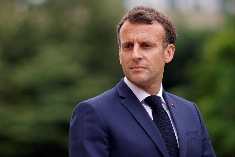 """""""فرنسا عدوة الأمس والحاضر والمستقبل"""""""