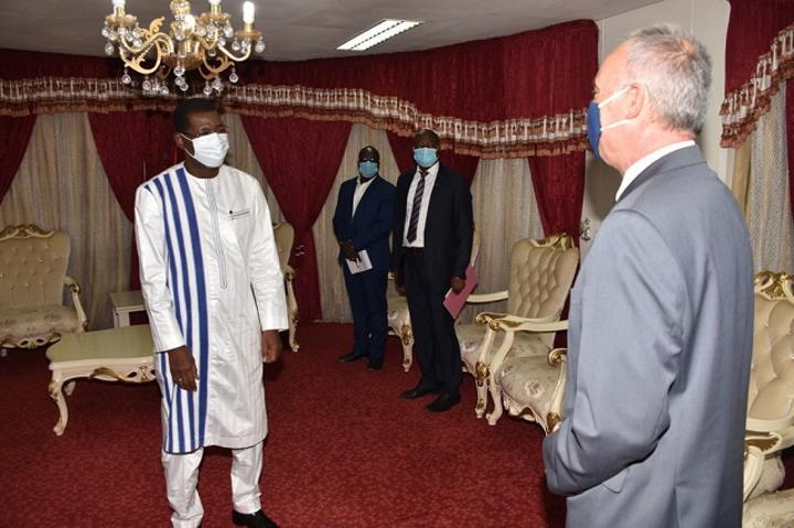 Assemblée nationale : Alassane Bala Sakandé reçoit les ambassadeurs de la Belgique et de la Chine