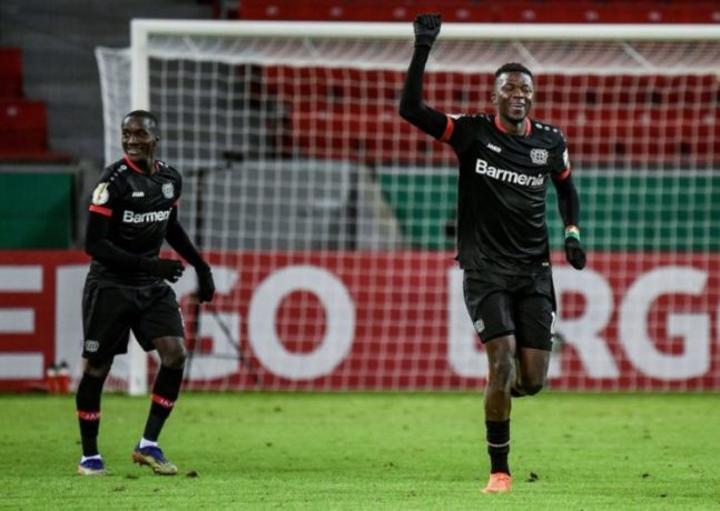 Edmond Tapsoba inscrit son premier but avec le Bayer Leverkusen
