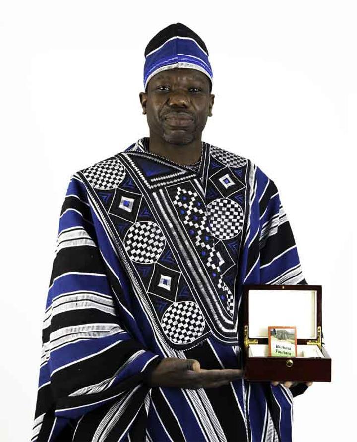 Diaspora : Boubacar BARA lance les cartes à jouer ''Burkina Tourism'' pour promouvoir l'image du Faso
