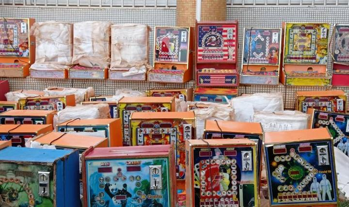 Jeux de hasard au Burkina : Plus de 2 300 machines à sous non conventionnelles saisies