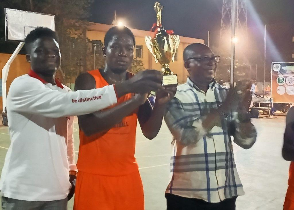 Basketball management award : Le trophée pour l'équipe de NGB