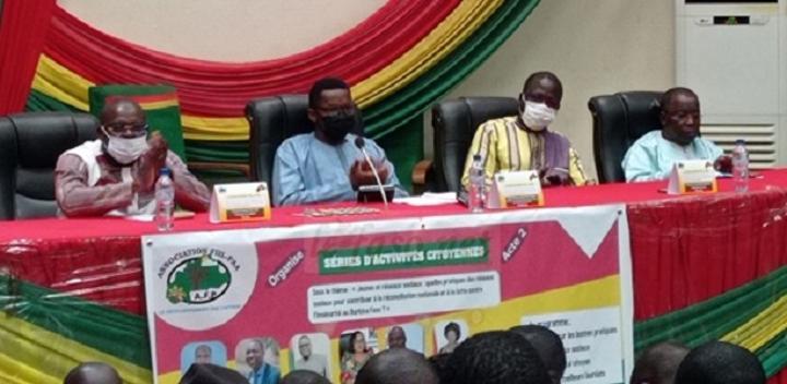 Utilisation des réseaux sociaux : L'Association Fill-Paa sensibilise des jeunes du Burkina