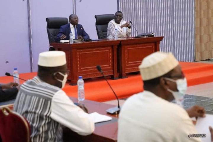 Burkina Faso : Après trois mois de suspension, le dialogue entre majorité et opposition reprend