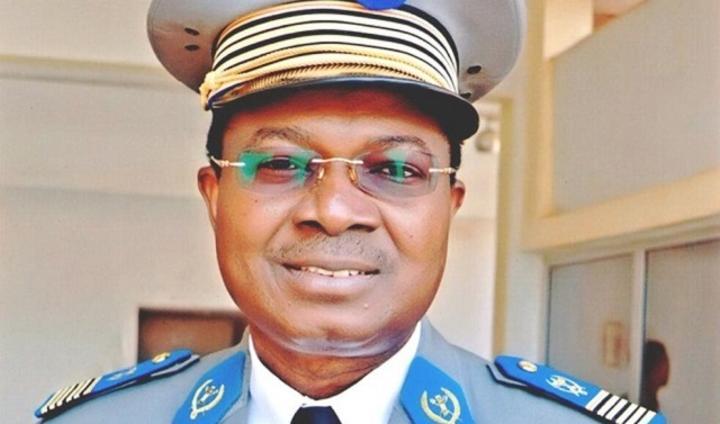 Burkina : Le président du Faso cède le portefeuille de ministre de la Défense au Gal de brigade Aimé Barthélémy Simporé