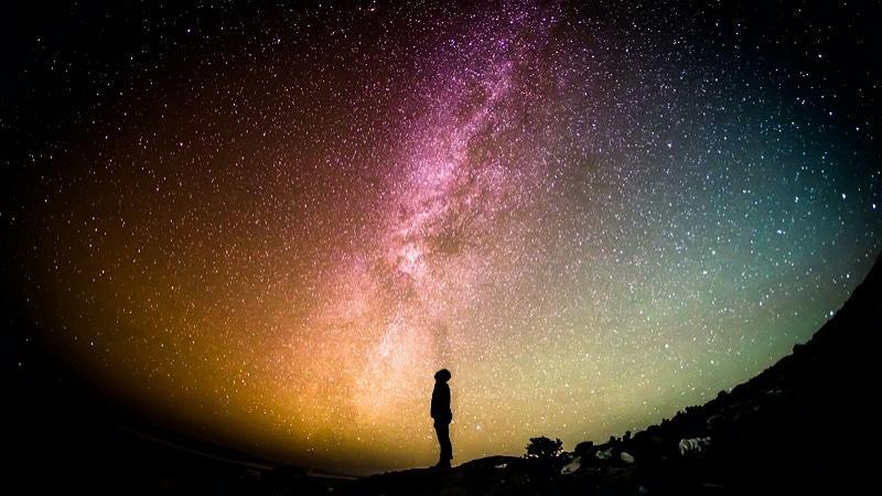 Espace: Y a-t-il quelque chose au-delà de l'Univers ?