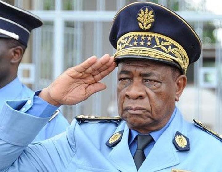 Martin Mbarga Nguélé organise un concours pour les Commissaires de police principal