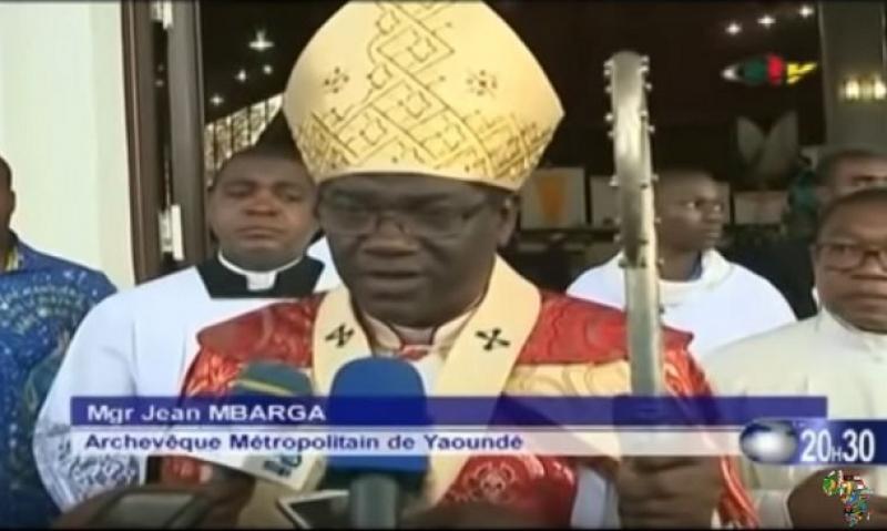 20 mai 2021: Mgr Jean Mbarga l'archevêque métropolitain de Yaoundé prie pour l'unité du Cameroun