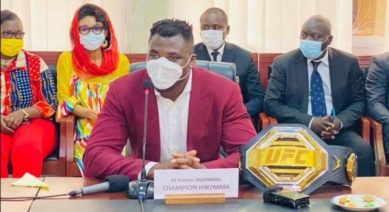 Cameroun - Curiosité: De passage au Cameroun, Francis Ngannou a snobé la presse locale