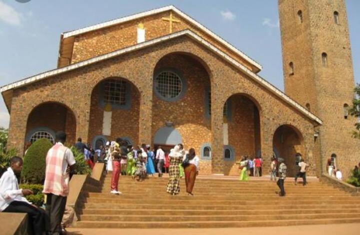 Crise Anglophone: l'armée met la main sur un prêtre catholique de Kumbo