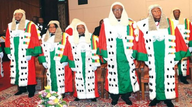 Suspension de la campagne de vaccination en cours contre le Covid-19: Le Conseil Constitutionnel juge irrecevable la requête introduite par Joachim Tabi Owono, président de l'AMEC