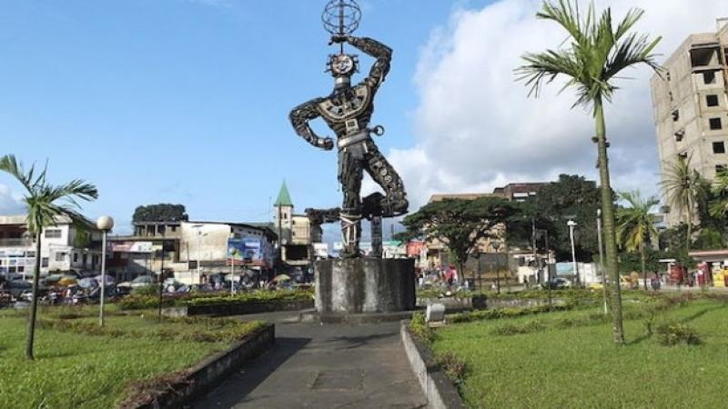 Mobilité urbaine: La Communauté urbaine de Douala aménage une nouvelle aire de stationnement pour taxis et mototaxis au Rond-Point Deïdo