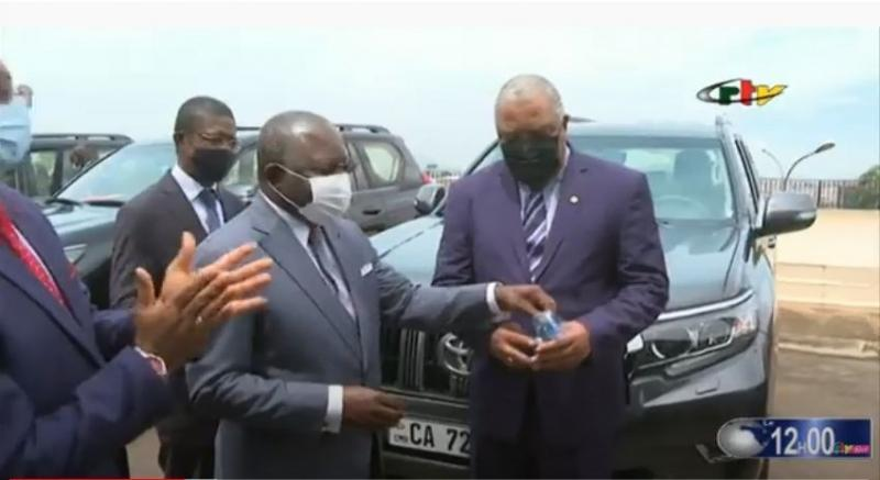 Cameroun – Cérémonie: Le ministre Georges Elanga Obam remet des véhicules tout-terrain aux 10 présidents de conseils régionaux