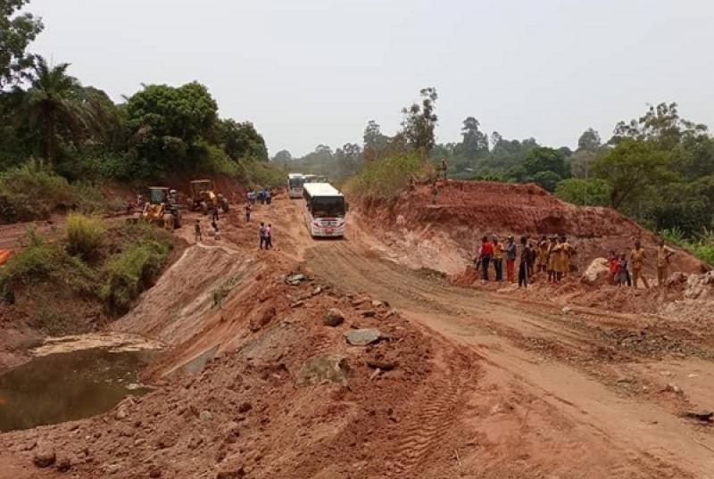 Infrastructures: Le Premier Ministre annonce la reprise des travaux de réhabilitation de la route Babadjou-Bamenda ce mois-ci