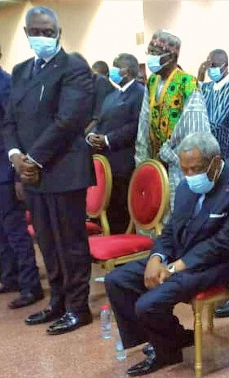 Cameroun: Marcel Niat Njifenji très affecté par le décès du Sultan Ibrahim Mbombo Njoya