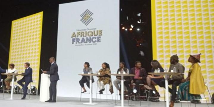 Sommet Afrique-France: Rodrigue Ngeugim dénonce 'une jeunesse très proche de la France'