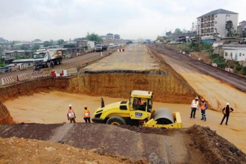 Chantiers routiers: Le Cameroun contracte une nouvelle dette pour finaliser les travaux de la pénétrante Est à Douala