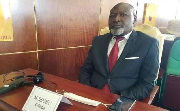 La seule solution pour la crise camerounaise c'est la solution militaire - Célestin Djamen