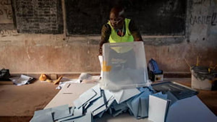 Élections en Centrafrique: l'opposition dénonce un recours «massif» au vote par dérogation