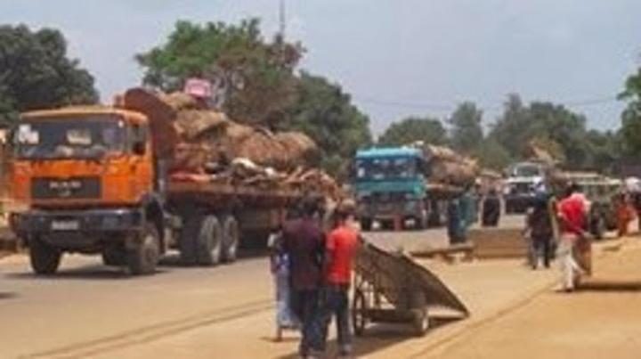 la frontière avec le Cameroun est bloquée depuis plus de trois semaines