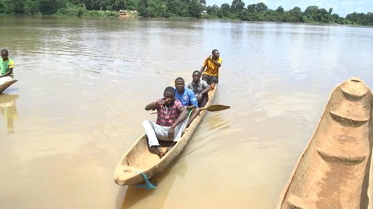 RCA: le maire de Mobaye rassure la population locale après l'incident survenu samedi dernier entre les pêcheurs du village Boronga et ceux de la RDC
