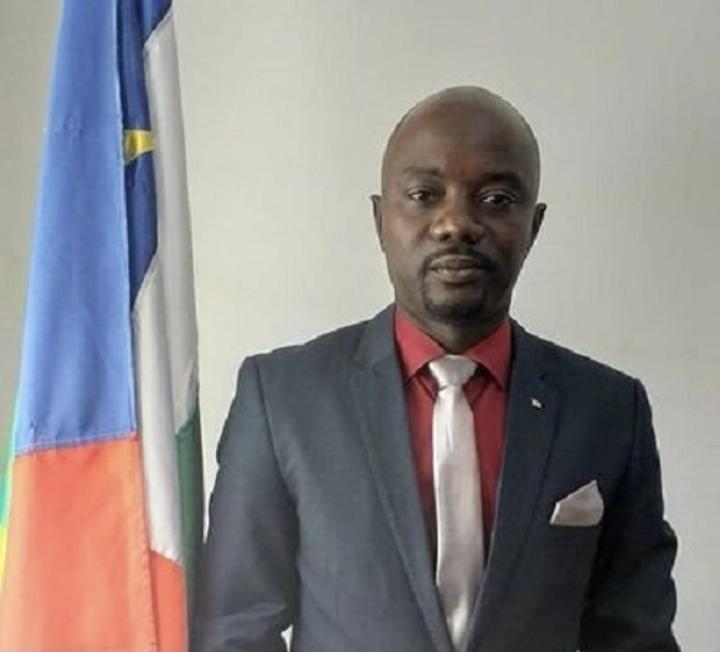 RCA: les en dessous de l'affaire Regis Lionel Dounda, l'ancien ministre de la jeunesse et des sports, toujours maintenu à la gendarmerie