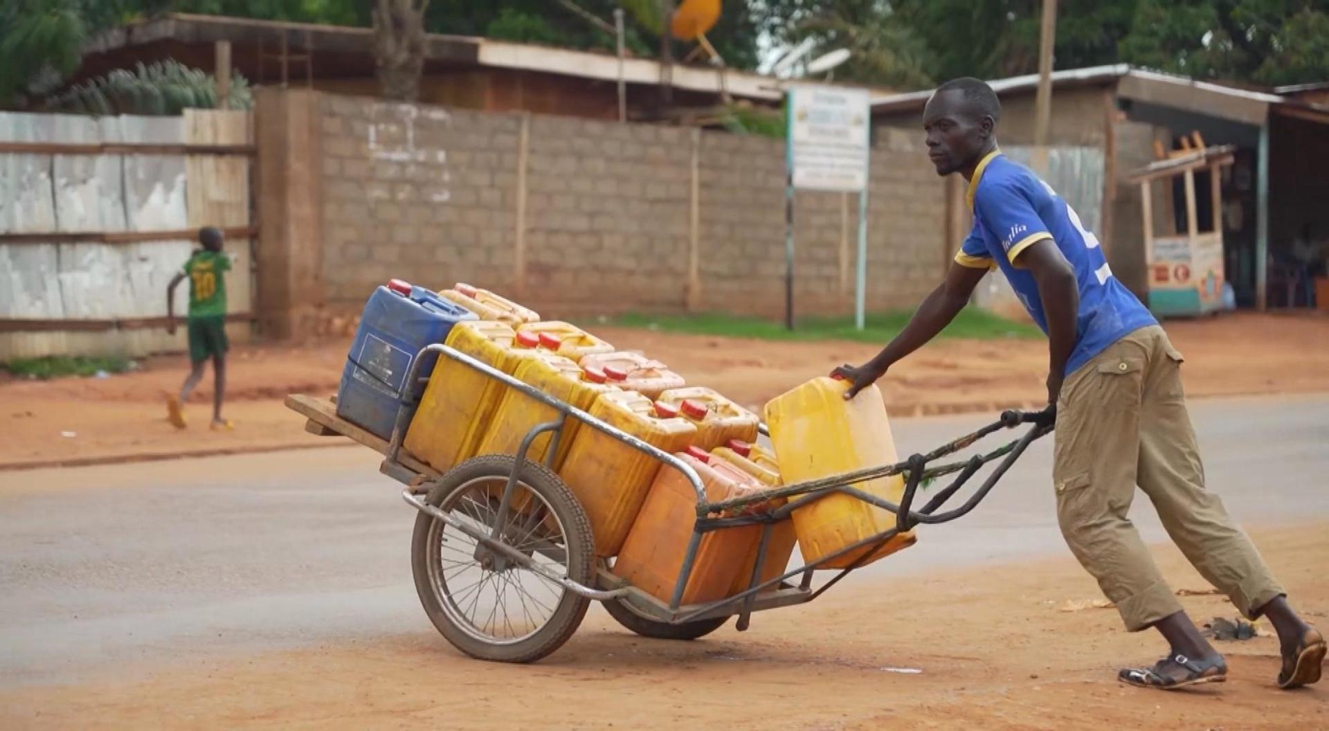 La galère de l'eau à Bangui