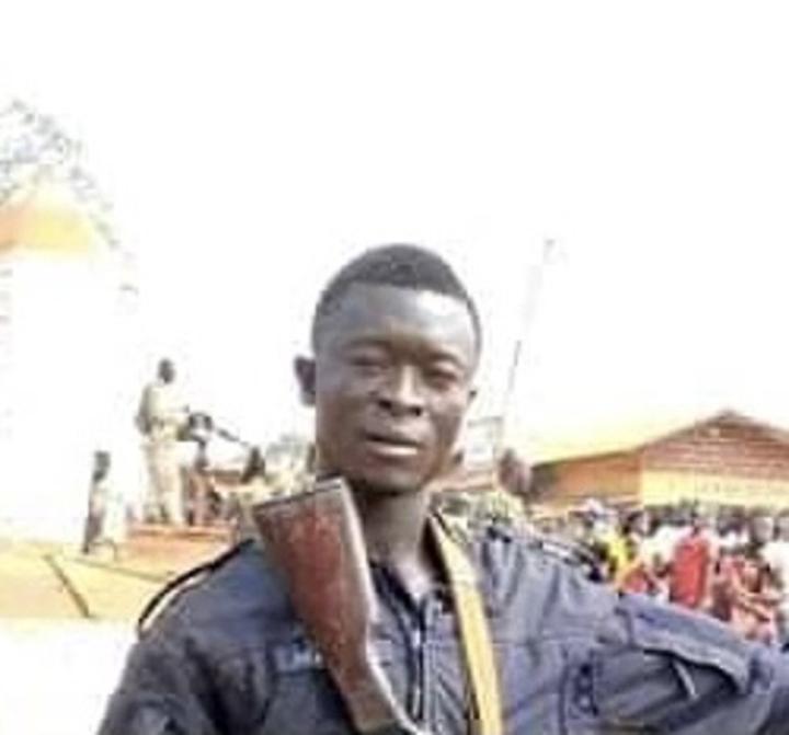 Funérailles officielles à Bangui de deux policiers tués dans une explosion des mines terrestres au Nord-ouest