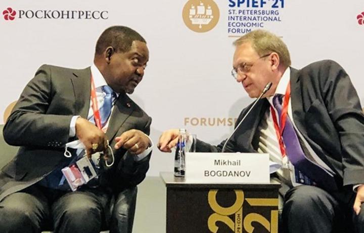 Le face à face confiant entre la Russie et la Centrafrique.