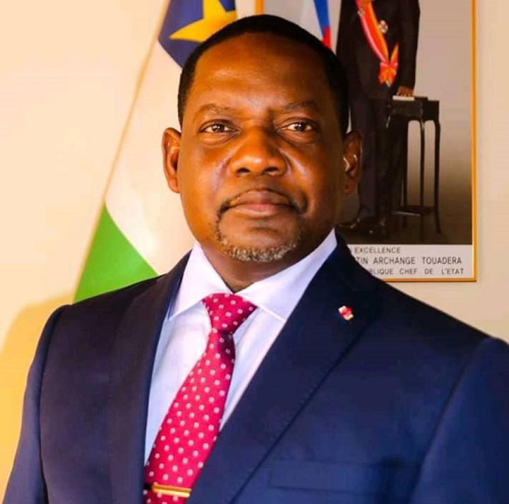 RCA: l'ancien premier ministre Firmin Ngrébada souhait-t-il quitter le navire Touadera ?