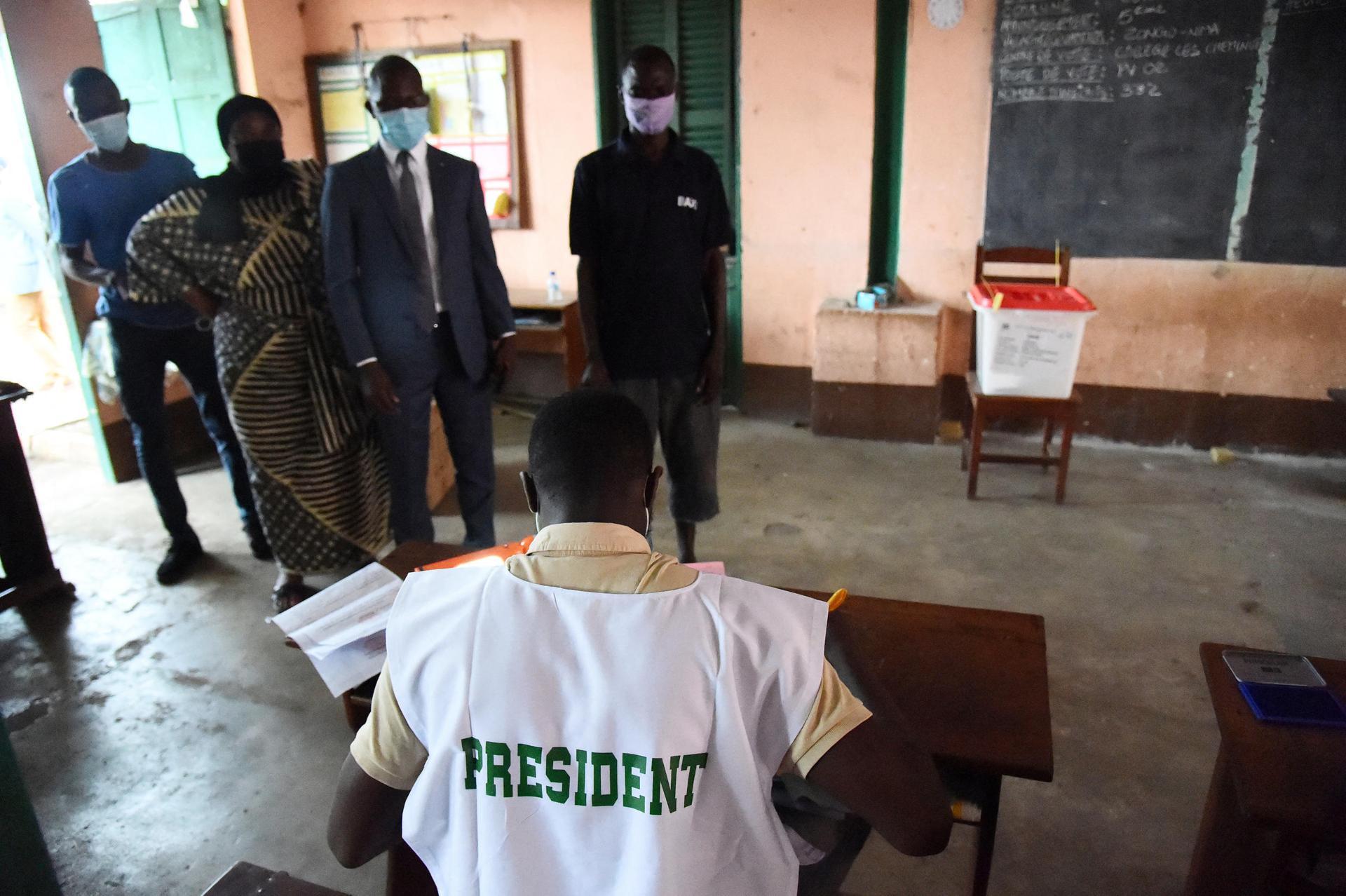 Présidentielle au Bénin : les électeurs aux urnes pour un scrutin sans opposition