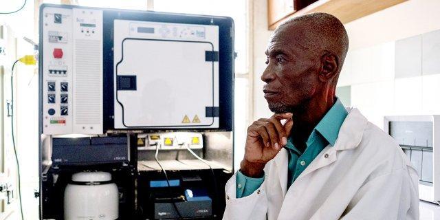 Le professeur Michel Ekwalanga, l'atout anti-coronavirus de la RDC