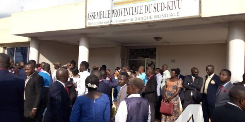 Sud-Kivu : 6 députés provinciaux déposent une pétition contre 3 membres du Bureau