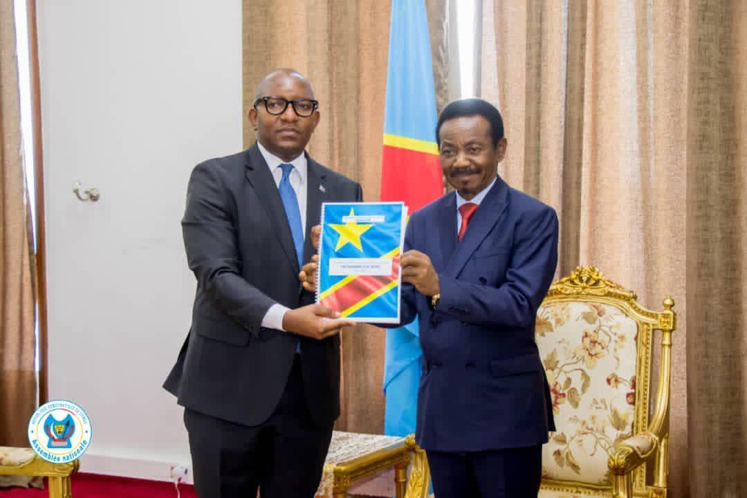 L'INVESTITURE PARLEMENTAIRE DU GOUVERNEMENT EN REPUBLIQUE DEMOCRATIQUE DU CONGO (RDC). Quels enjeux et défis pour le Gouvernement de Sama Lukonde ?