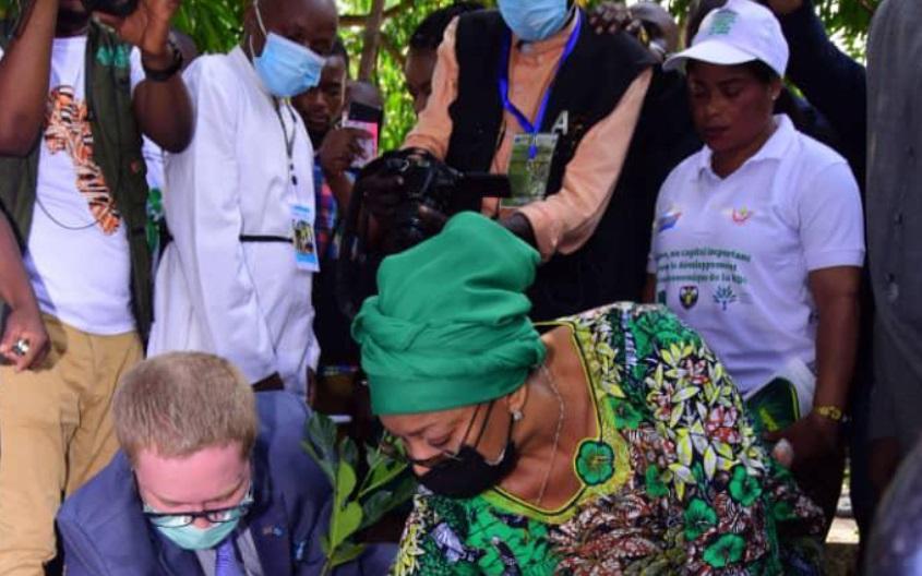 Kinshasa : Eve Bazaiba lance le projet d'implantation d'1 milliard d'arbres d'ici 2023 à Maluku
