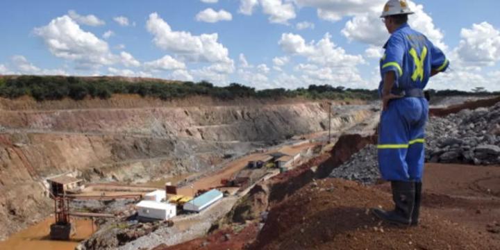 Mines : Sundance croise le fer avec le Cameroun et le Congo