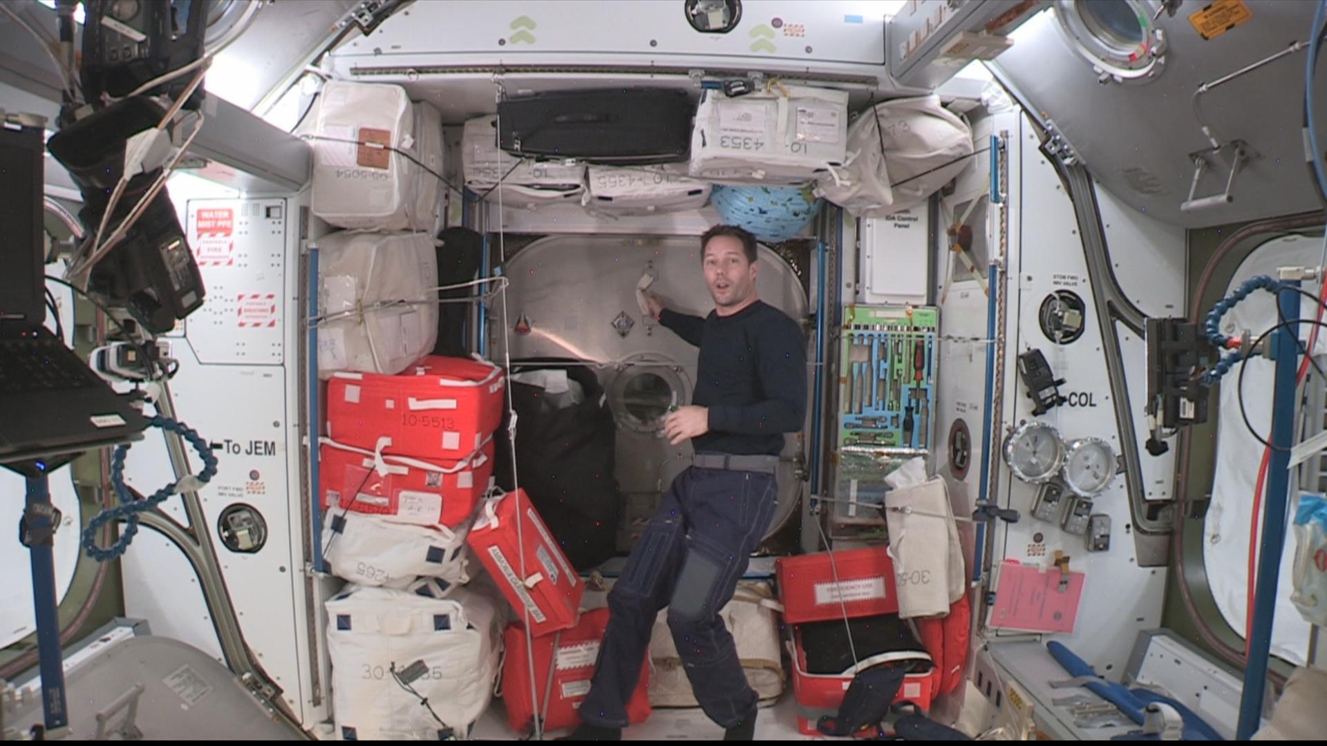 Journal de bord Mission Alpha : visite du nouveau module de l'ISS avec Thomas Pesquet