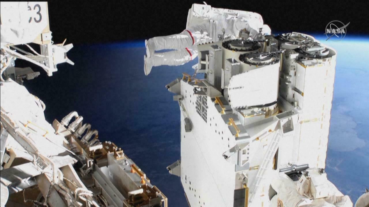 Journal de bord Mission Alpha : trois sorties dans l'espace pour Thomas Pesquet