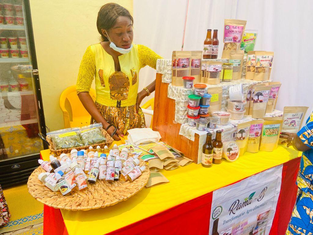 Entrepreneuriat : une cinquantaine de femmes exposent leurs œuvres d'art à Brazzaville