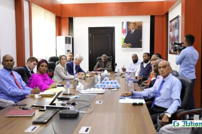 Le ministre de l'Education nationale reçoit une délégation de la fondation américaine « Shield I »