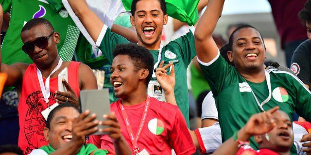 Traqué par la justice et en exil, le patron du football malgache est toujours en poste