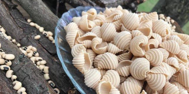Exit le blé, Glim Africa crée pâtes et farine à base de niébé