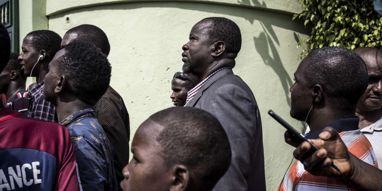 Présidentielle en Guinée: le parti de Cellou Dalein Diallo dénonce une «fraude à grande échelle»
